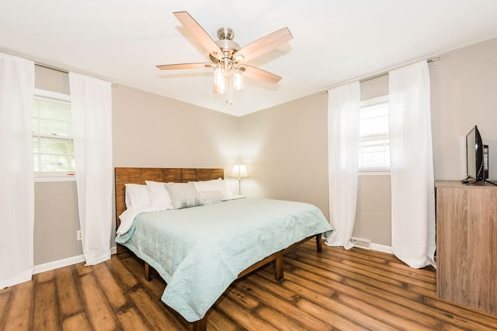 Master Bedroom with King Bed Private Ensuite