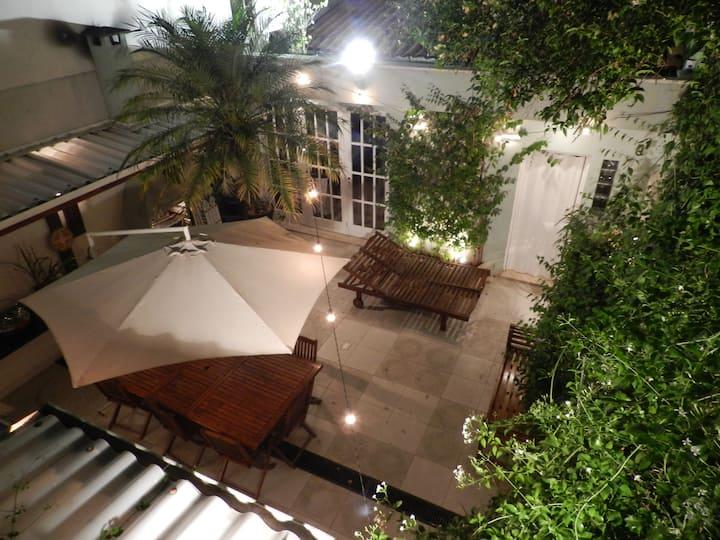 Casa charmosa, aconchegante e super bem localizada