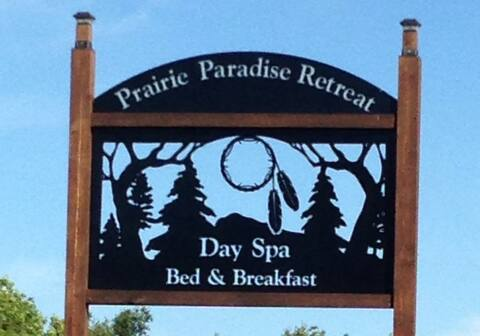 Prairie Paradise Retreat -  Navajo Suite