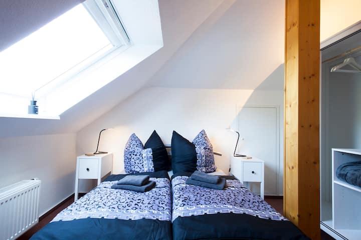 Doppelzimmer DG mit franz Doppelbett