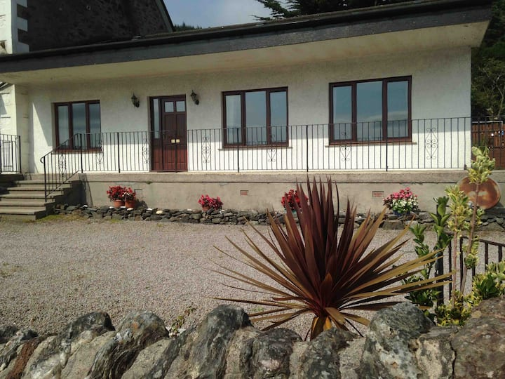 Tighnabruaich Argyll   Stunning Seafront Bungalow.