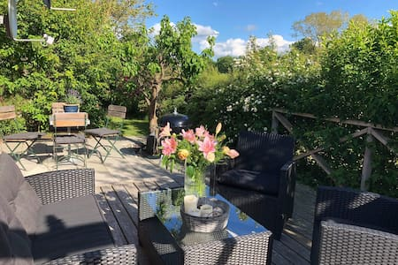 Cosy lodge in stunning setting - 500m from beach