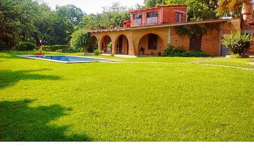 Casa de campo GJ - El Salitre - Casa