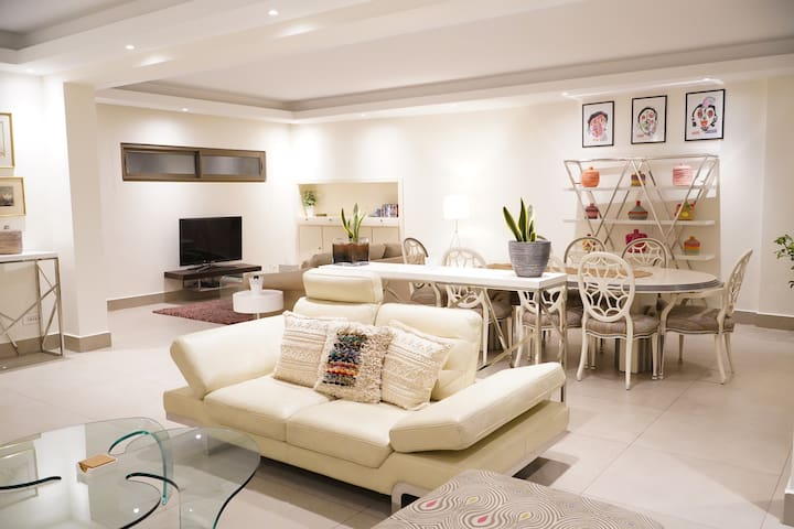 Hamra Sunny Luxury Apartment