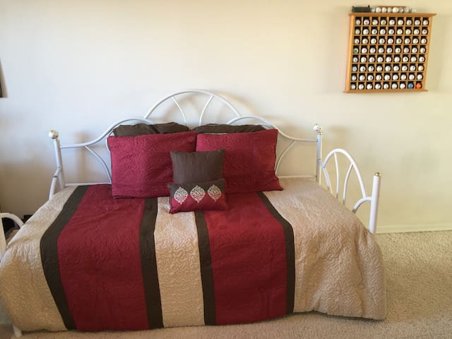 Loft daybed with twin air mattress below
