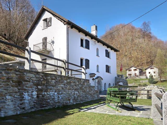 Casa Strebel (LTC100)