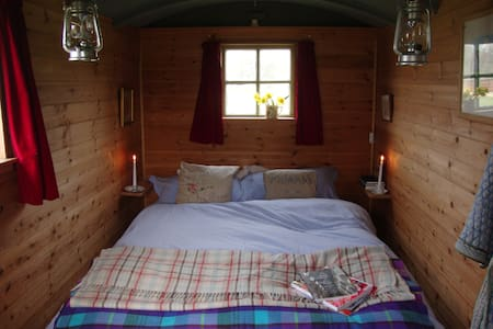 Abbey shepherds hut - Eye