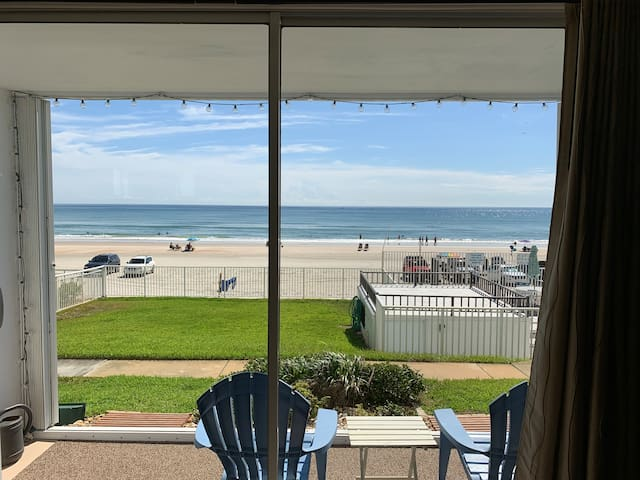 Oceanfront, grd flr. pets OK, 102 garage,new list