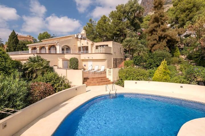 Villa with unique location, private swimming pool, terraces, views of Javea
