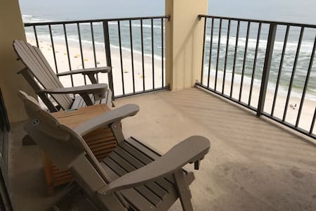 PHX3143 - 1BR KING BEACH NEST - ON THE BEACH!