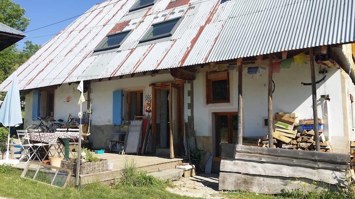 Chambres insolites dans maison de montagne