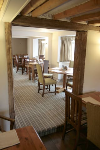 Restaurant offering fine food in relaxed surroundings