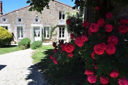 4 cottage property sleeps up to 22