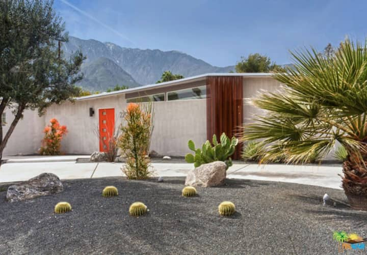 "Mid-Century Modern  ""The Famous"" North Starr House"