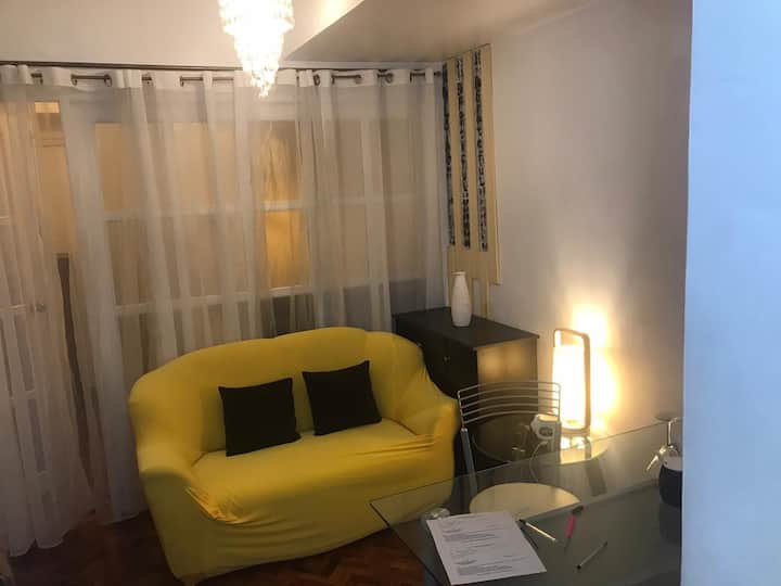 Cozy 1 bedroom condo in Makati Executive Tower