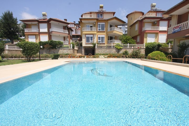 5 bedroom Private villa