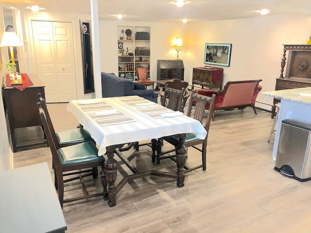 Charming 1BR Garden Condo, 30 Day Stays