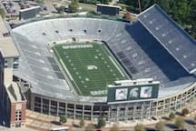 Less than a mile to Campus, an easy walk or short ride to Spartan Stadium, Breslin Center, and other athletic events.