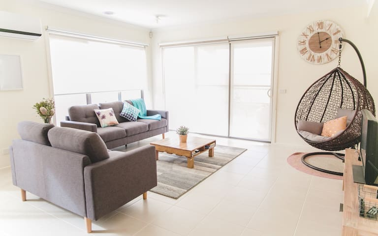 New Suburban Home,20min to Airport,30min to CBD - Burnside - Hus