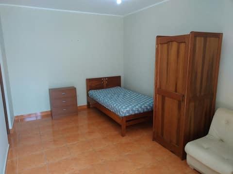 Habitacion amoblada con entrada independiente