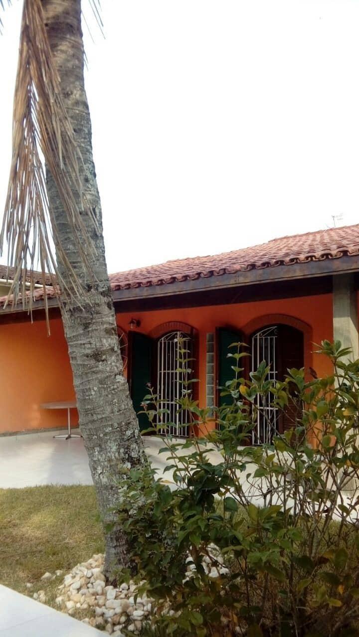 Suíte 1 privativa em casarão quadra-mar - Itanhaém