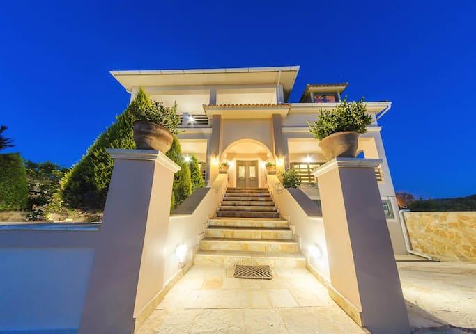 DioVa Holiday Home at Drosia Beach - Kipseli - บ้าน