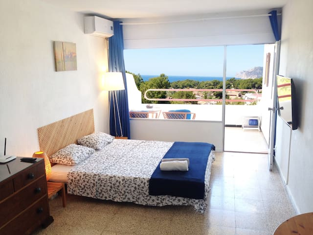 Tranquil,seaview,beaches,mountain view,pines,birds - Rotes Velles - Apartamento