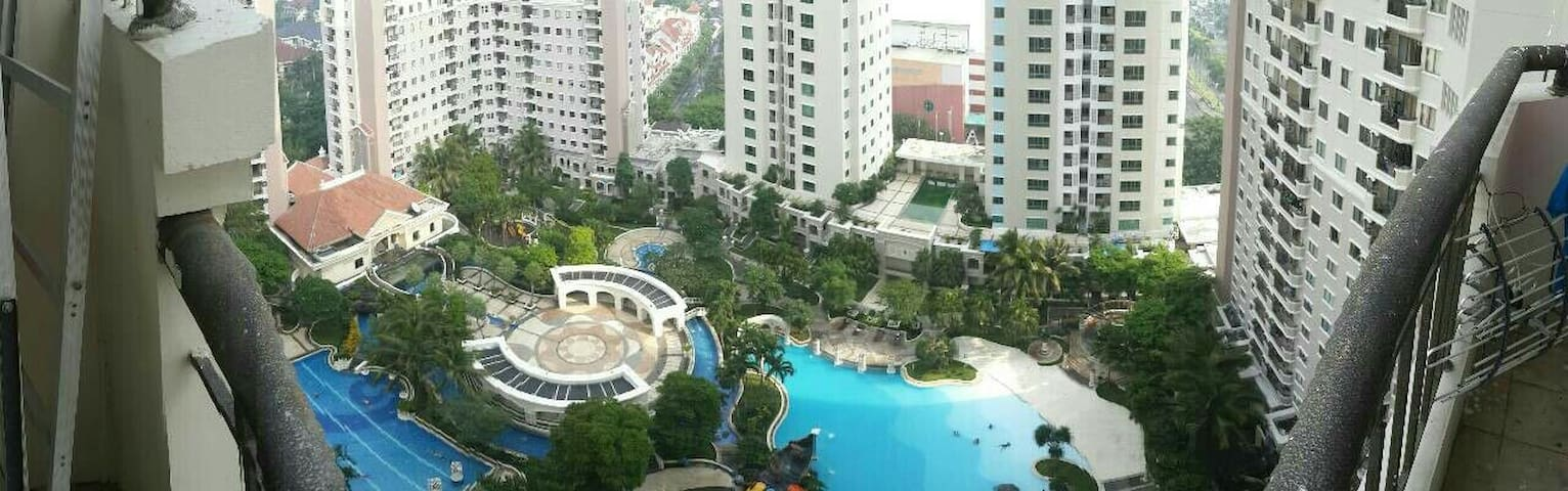Large full furnished 3BR apartment - Surabaya - Wohnung