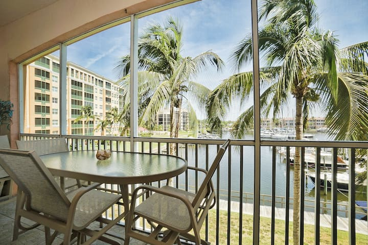 Awesome WaterView Burnt Store Marina Harbor Condo