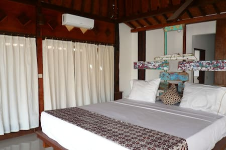 Classic Beach Villa 3 - Amed - Abang - Bed & Breakfast