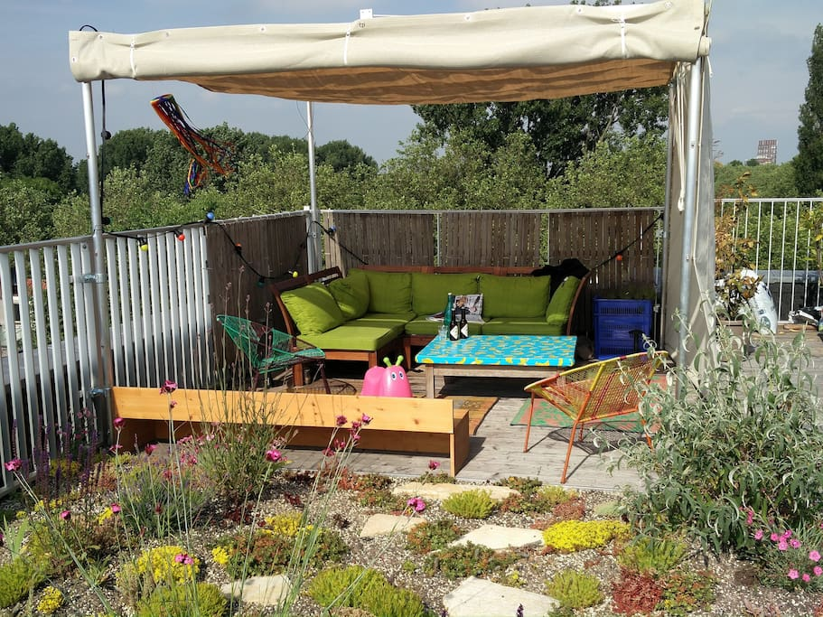Our roof garden is a quiet place to relax.