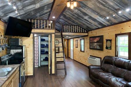 Hillside Cabin #4 Annapolis, MO Black River