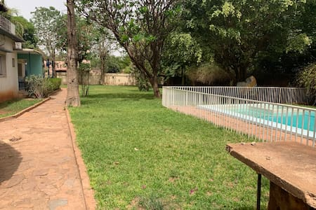 Villa sécurisée et jardin spacieux à Badalabougou