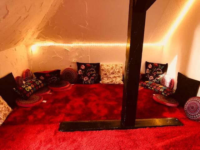 Feine & kleine Dachgeschosszimmer in Ottensen WG3