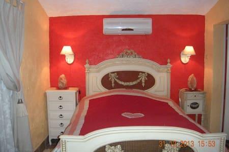 chambre separee dans villa - Montauroux - Rumah