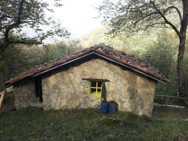 Baita di montagna, avventura pura - Erve - Hut