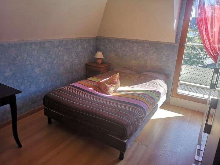 Chambre agréable dans une maison à Guidel
