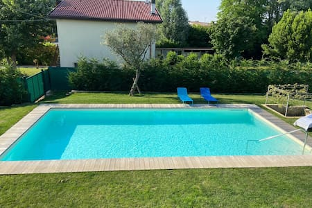 Single bedroom in Villa, amazing swimming pool!!!