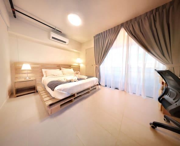 4Pax-1BR Loft Tamarind Suites with Sky Pool #L01