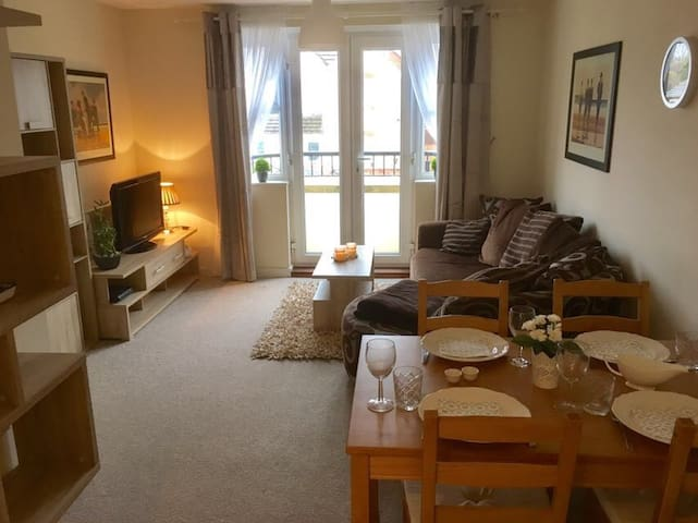 Fully Equipped 2 Bed Flat in Fareham - Portchester