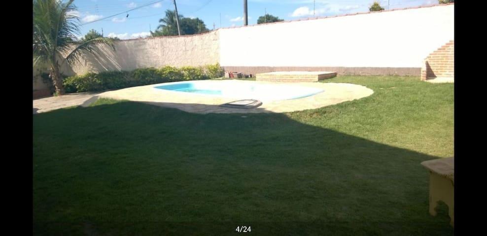 Caldas Novas Ótima casa com piscina para 15 pessoa