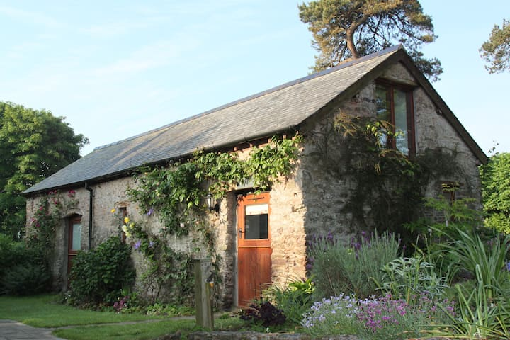 Self contained barn conversion - Loxhore
