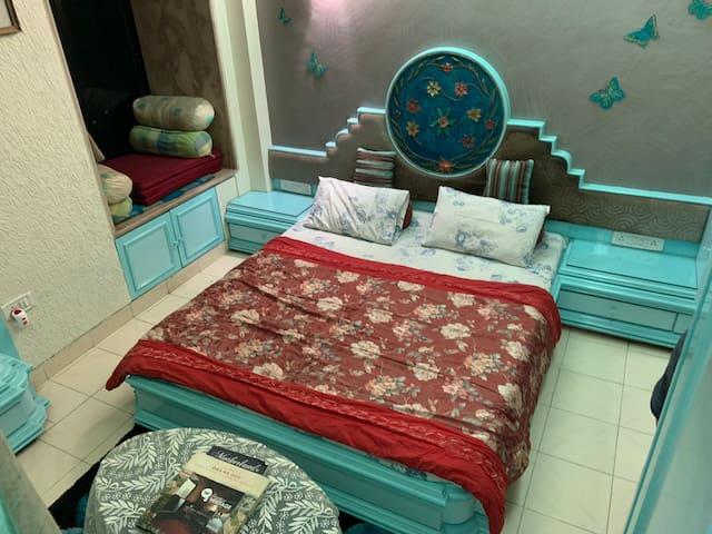 Studio Apartment in Juhu Beach
