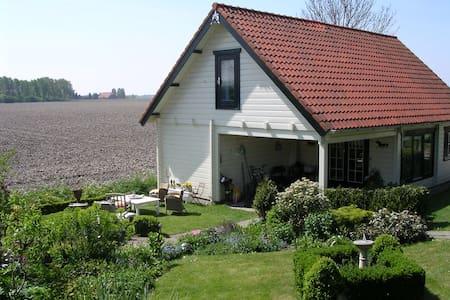 De privacy van een karakteristiek finnhouse - Zuid-Beijerland - Blockhütte