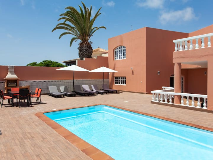 Spacious villa with large private pool and patio
