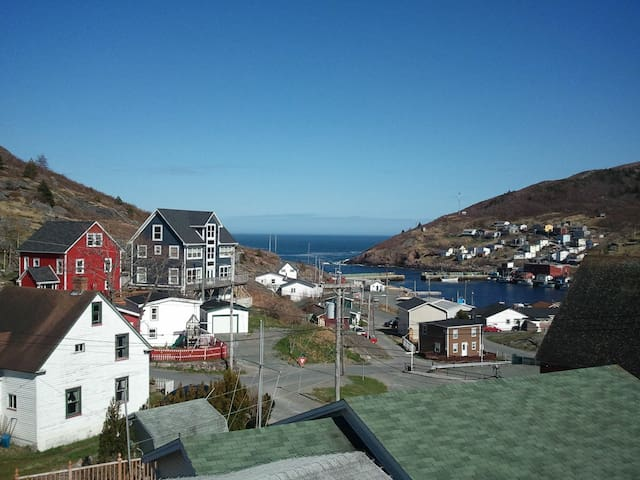 Beautiful ocean-view suite in scenic Petty Harbour