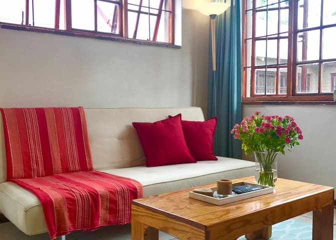 Well furnished private unit. Separate entrance. - Johannesburg - Apartment