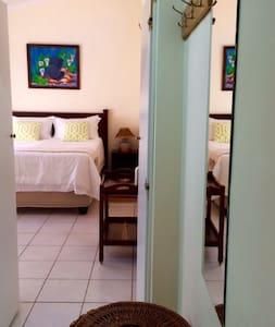 Splash Inn B&B room 6 - Durban North - Bed & Breakfast