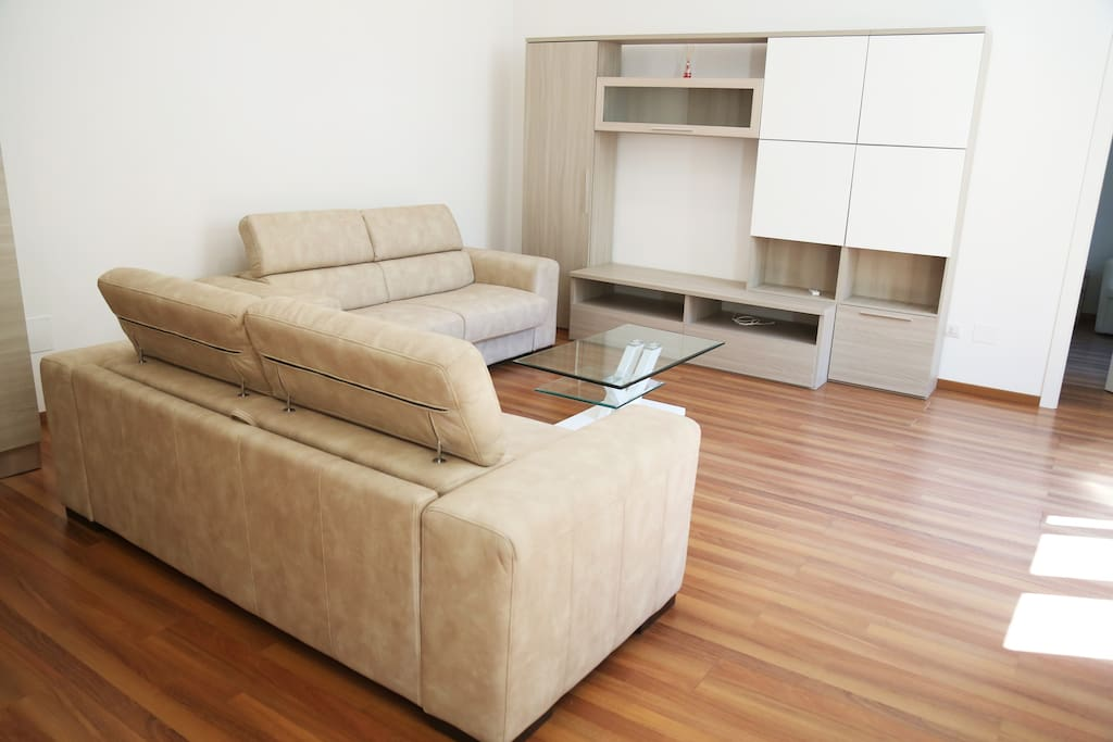 The living room: the two sofa-bed x2 (tot 4 pax)