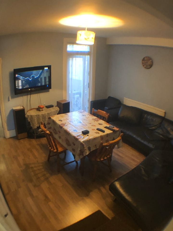 SINGLE ROOM IN WALTHAMSTOW